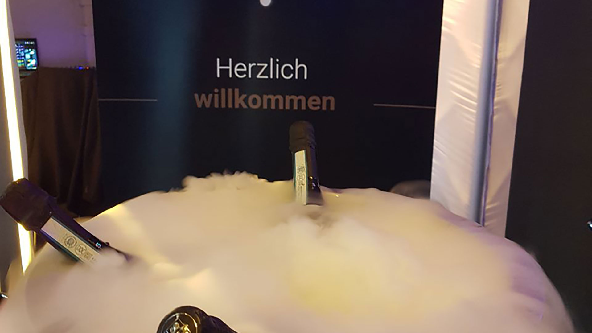 (Deutsch) Mitarbeiterveranstaltung -